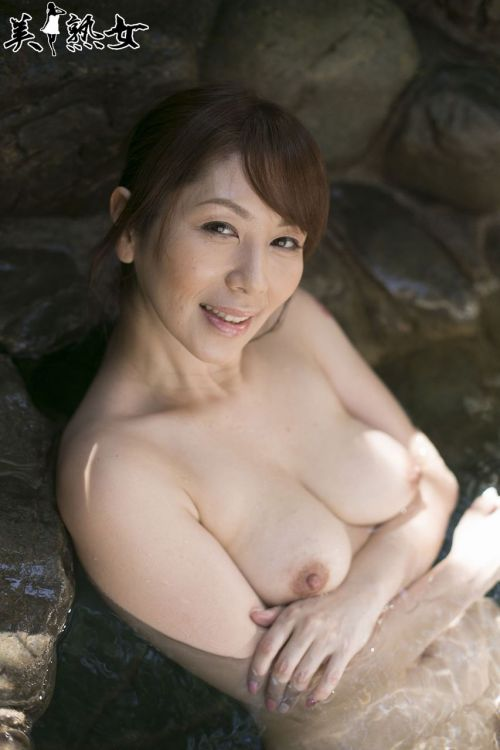 翔田千里(しょうだちさと)48歳の巨乳レジェンド美熟女AV女優エロ画像 105枚 No.34