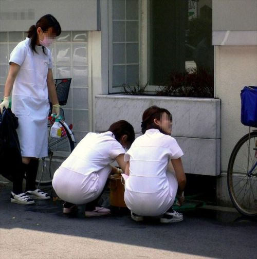 看護師さんのナース服から透けたパンティラインに勃起しちゃうエロ画像 31枚 No.10