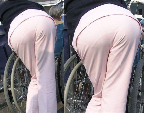 看護師さんのナース服から透けたパンティラインに勃起しちゃうエロ画像 31枚 No.11