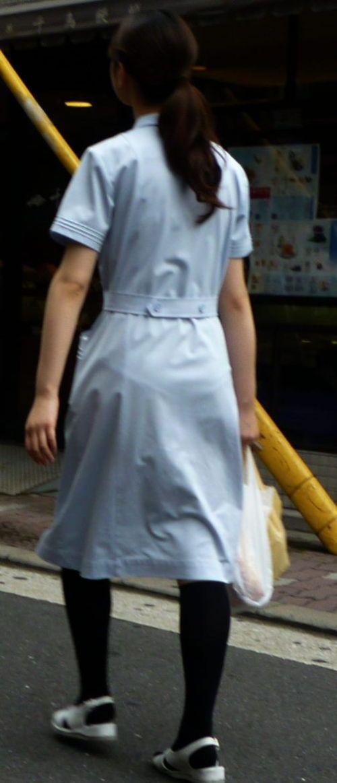 看護師さんのナース服から透けたパンティラインに勃起しちゃうエロ画像 31枚 No.28