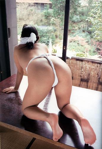 褌(ふんどし)を巻いた女の子のお尻がTバックより卑猥なエロ画像 31枚 No.7