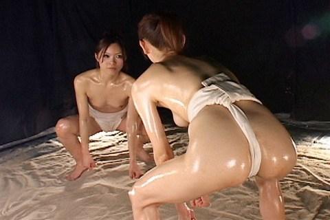 褌(ふんどし)を巻いた女の子のお尻がTバックより卑猥なエロ画像 31枚 No.13