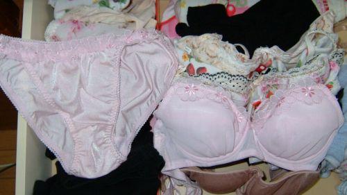 【画像】整理整頓が出来ないガサツ娘のタンスの下着見てみる? 34枚 No.5