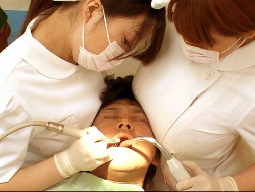 仕事中の歯科衛生士の座りパンチラや逆さ撮り盗撮したエロ画像 32枚 No.29