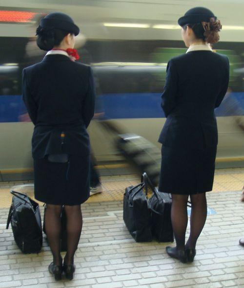 新幹線の制服を着た売り子さん限定で逆さ撮り盗撮したエロ画像 61枚 No.12