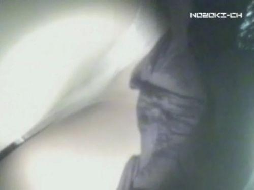 新幹線の制服を着た売り子さん限定で逆さ撮り盗撮したエロ画像 61枚 No.49