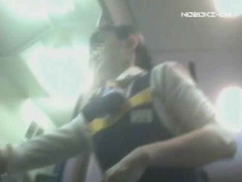 新幹線の制服を着た売り子さん限定で逆さ撮り盗撮したエロ画像 61枚 No.51