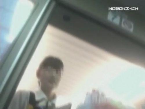 新幹線の制服を着た売り子さん限定で逆さ撮り盗撮したエロ画像 61枚 No.54