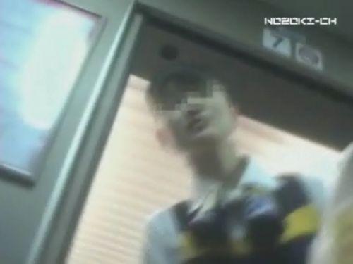 新幹線の制服を着た売り子さん限定で逆さ撮り盗撮したエロ画像 61枚 No.56