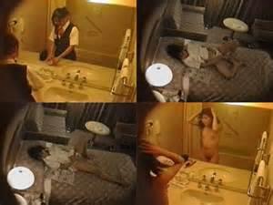 スチュワーデスのお姉さんがトイレで排泄物を出しちゃう盗撮エロ画像 48枚 No.19