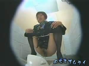 スチュワーデスのお姉さんがトイレで排泄物を出しちゃう盗撮エロ画像 48枚 No.26