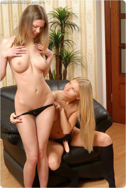 【レズビアン】金髪外国人女性が美しい体で絡み合うエロ画像 33枚 No.8