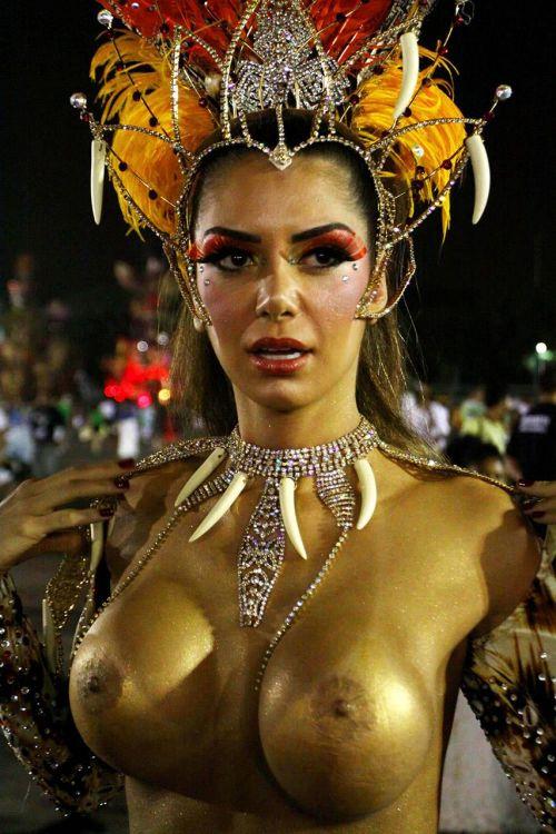 サンバカーニバルで巨乳外国人がおっぱい丸出しなエロ画像 35枚 No.9