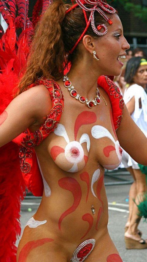 サンバカーニバルで巨乳外国人がおっぱい丸出しなエロ画像 35枚 No.14
