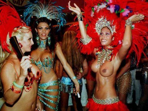 サンバカーニバルで巨乳外国人がおっぱい丸出しなエロ画像 35枚 No.24