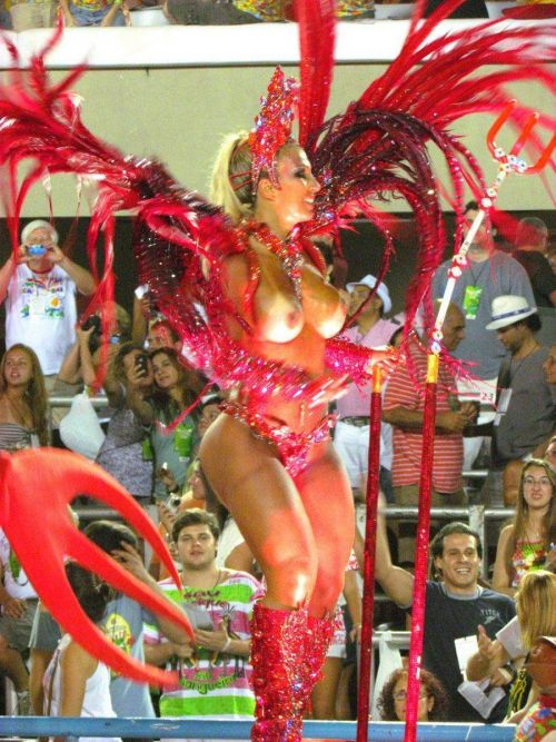 サンバカーニバルで巨乳外国人がおっぱい丸出しなエロ画像 35枚 No.25
