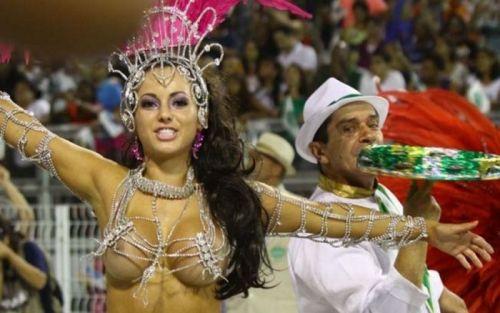 サンバカーニバルで巨乳外国人がおっぱい丸出しなエロ画像 35枚 No.28