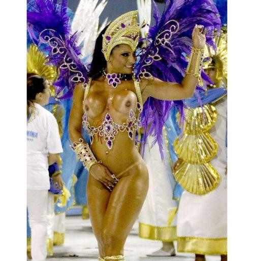 サンバカーニバルで巨乳外国人がおっぱい丸出しなエロ画像 35枚 No.32