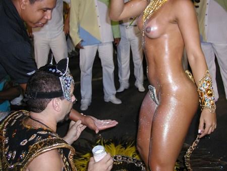 サンバカーニバルで巨乳外国人がおっぱい丸出しなエロ画像 35枚 No.34