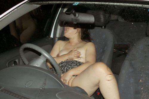 車の中でオマンコを弄ってヨガって悶絶www車内オナニーエロ画像 31枚 No.17