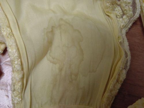 【閲覧注意】出来立てホヤホヤのしっとり濡れた染みパンの鮮度www 34枚 No.1