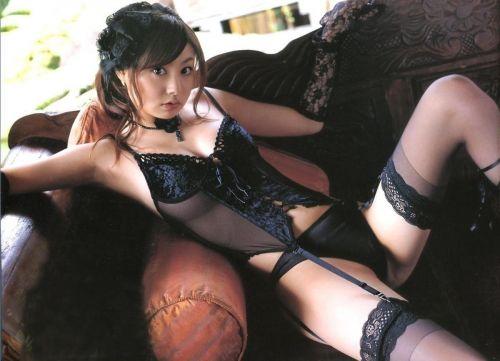 【画像】高級黒ガータベルトに身を包んだエッチな痴女達はこちらです! 32枚 No.16