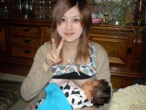 【画像】赤ちゃんがお母さんからおっぱいもらう授乳プレイエロ過ぎwww 45枚 No.38