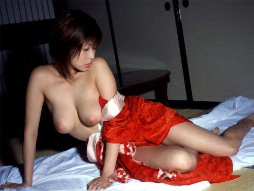 和服美人がおっぱい丸出しで色気全開なエロ画像まとめ 37枚 No.1