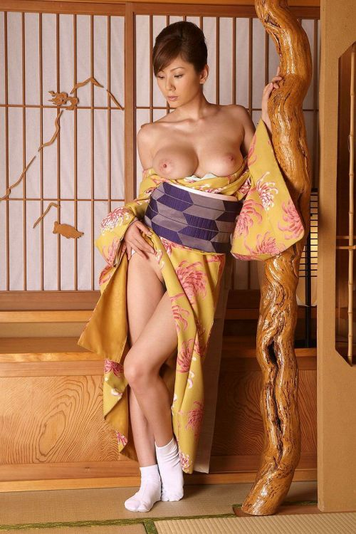 和服美人がおっぱい丸出しで色気全開なエロ画像まとめ 37枚 No.4