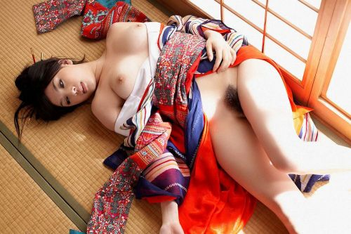 和服美人がおっぱい丸出しで色気全開なエロ画像まとめ 37枚 No.24
