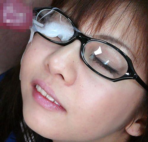 黒縁眼鏡の真面目そうな女の子の眼鏡にザーメンぶっかけエロ画像 33枚 No.4