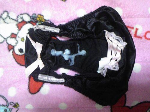 【フェチ】女性のパンティにザーメンをぶっかける下着射精エロ画像 32枚 No.7