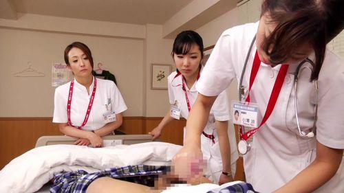 ナースが入院中に手コキで性処理のお世話をしてくれるエロ画像www 27枚 No.19