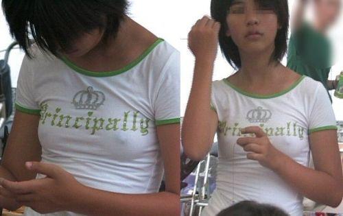 貧乳女子の乳首や乳輪が服の上から透けちゃう乳首ポッチエロ画像 34枚 No.20