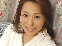 【無修正】五十路熟女がセフレとアナル開発 坂下陽子