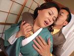 ダイスキ!人妻熟女動画 : 旦那が出張中に2人のAV男優を自宅に呼んでハメまくる着物の巨乳熟女妻