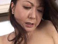 段腹熟女:【無修正】息子の肉棒を貪る欲求不満な段腹お母さん!
