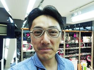 メガネ警察_高橋店長