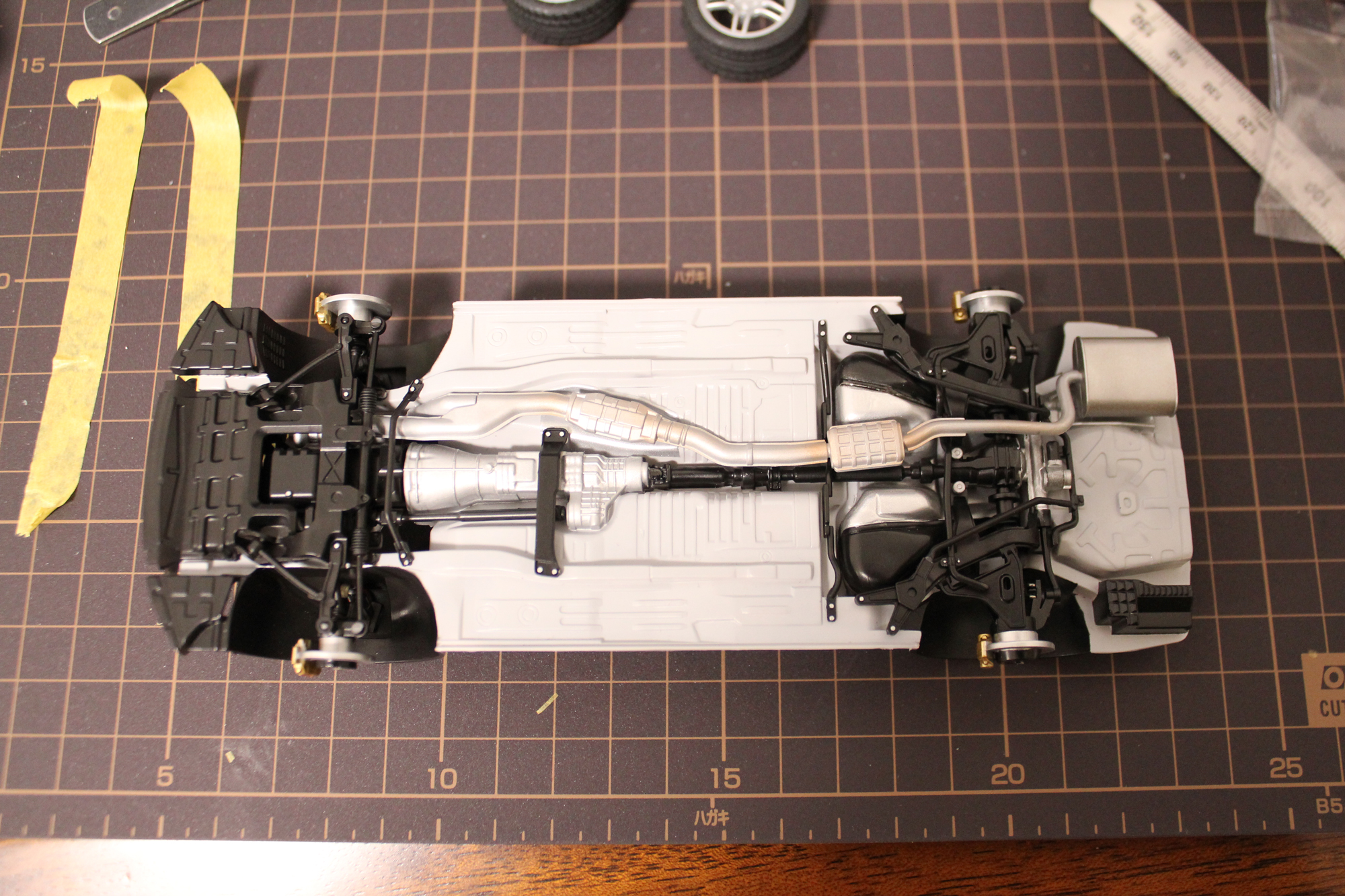 R33GT-Rシャーシ裏完成