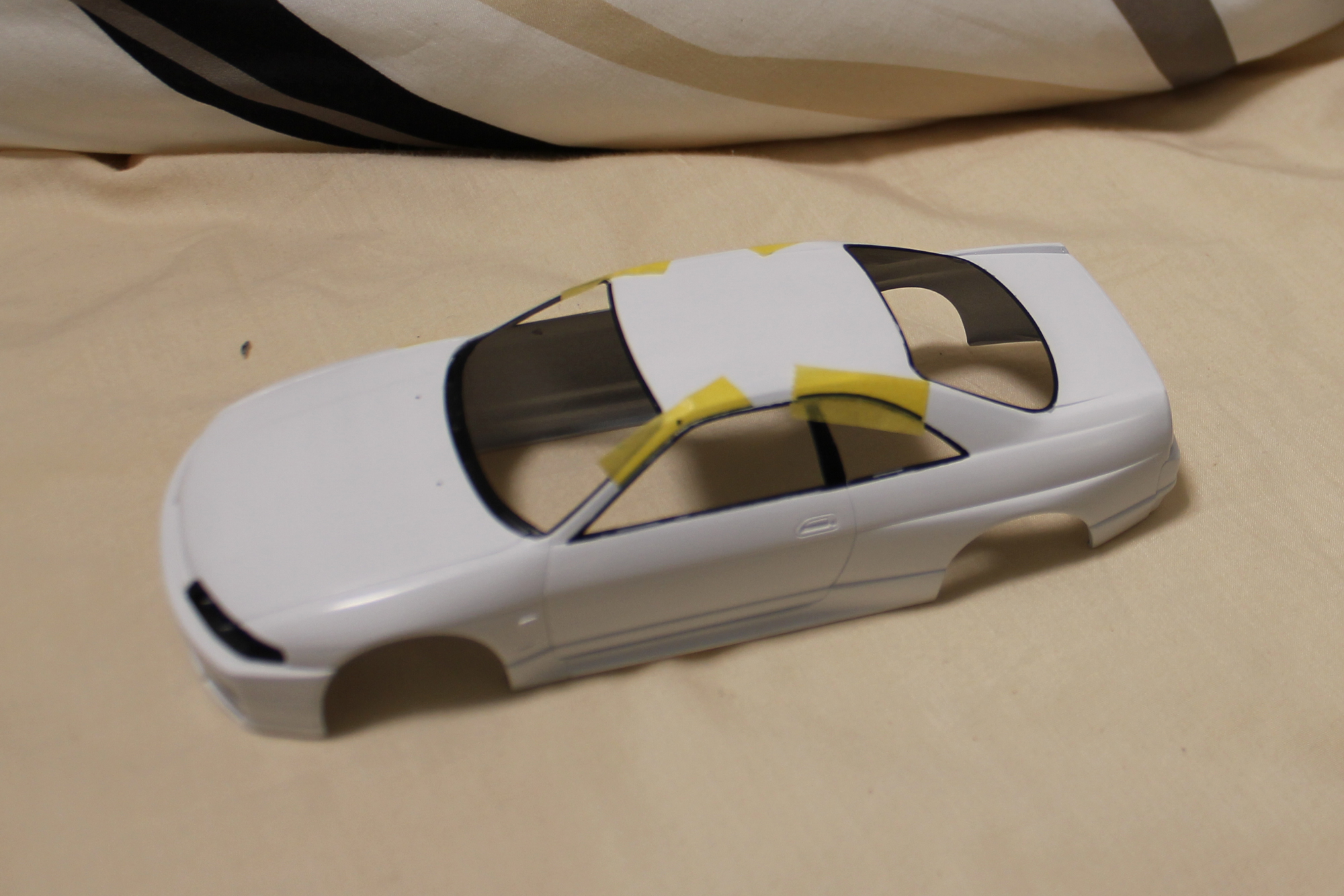 R33窓枠塗装Rマスキング