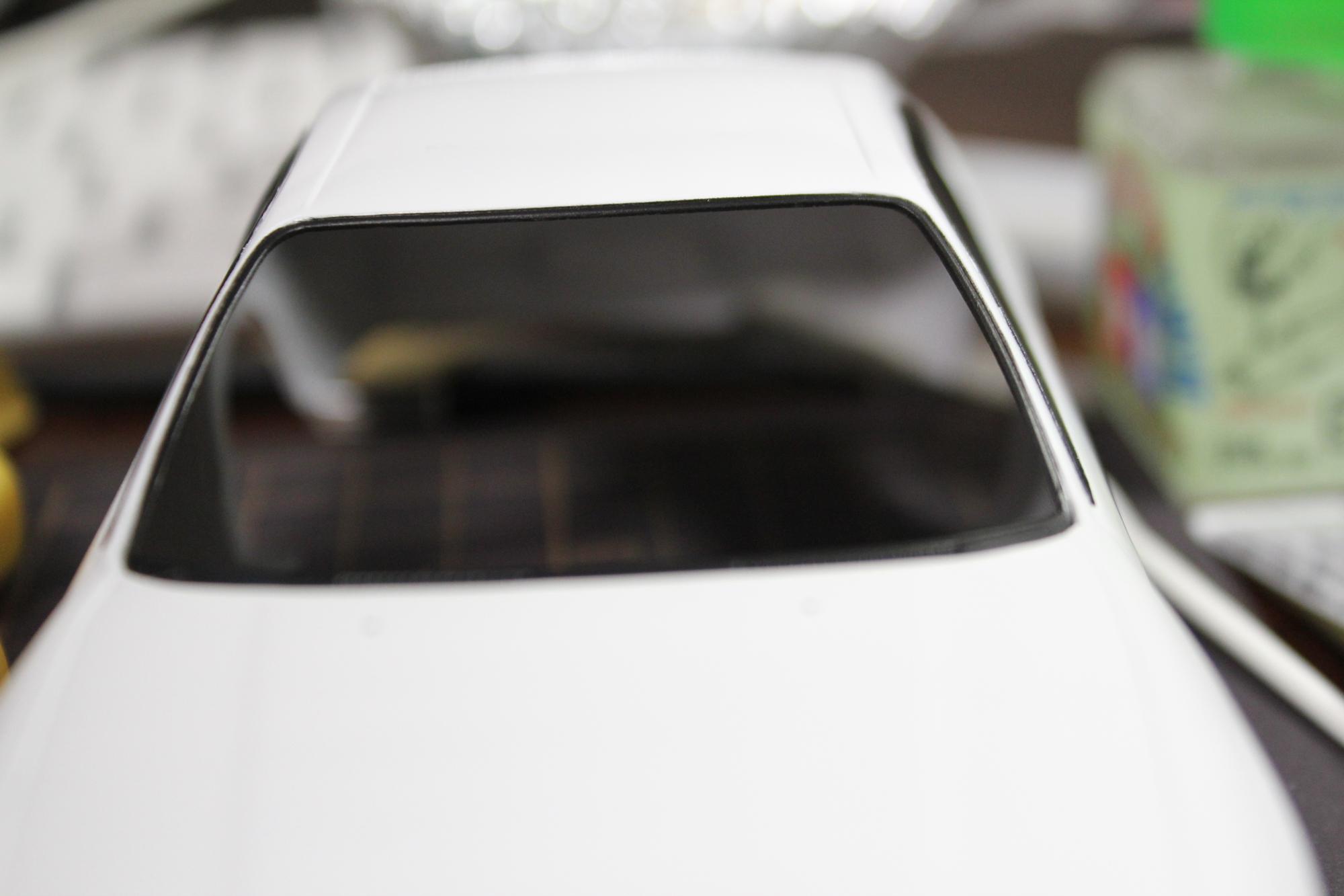 R33窓枠塗装フロント