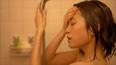 前田敦子(24)が決意の全裸シャワーシーン披露…これが女優志望のなれの果て…