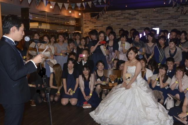 【結婚式パンチラ】  神カメラマンに感謝せねばならん、結婚式でのパンチラショットがネ申スギルWwwwwww
