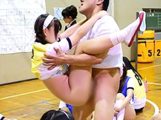 これぞ男のロマン!時間を止  めて女子校の球技大会でレ●プ三昧!