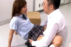 (えろムービー)学校の廊下で憧れの女子生徒達とぶつかった→「生入れ」wwwwwwww