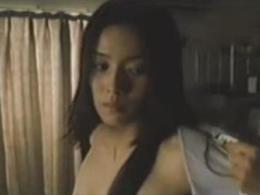 【お宝】中谷美紀 着替えシーンで背中全開!!美女は背中も美しい!!