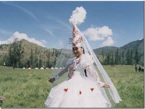 【世界の快道でイク!:番外・カザフスタン編】天空のシルクロードに花開く野生のチューリップたち15