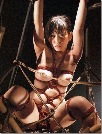 妻を縛って『私のオマンコに旦那様のオチンポ下さい!』と言わせたいエロ動画像22