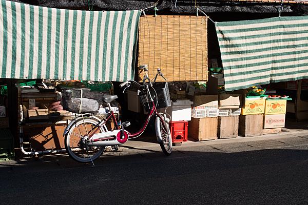 店先と自転車