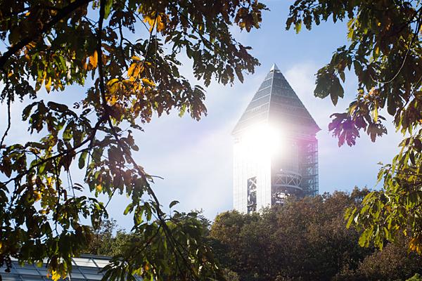 光るスカイタワー